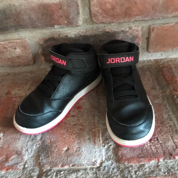 new arrival 3ee70 1d75d ... Girls size 10C Black and pink Nike Jordan s ...